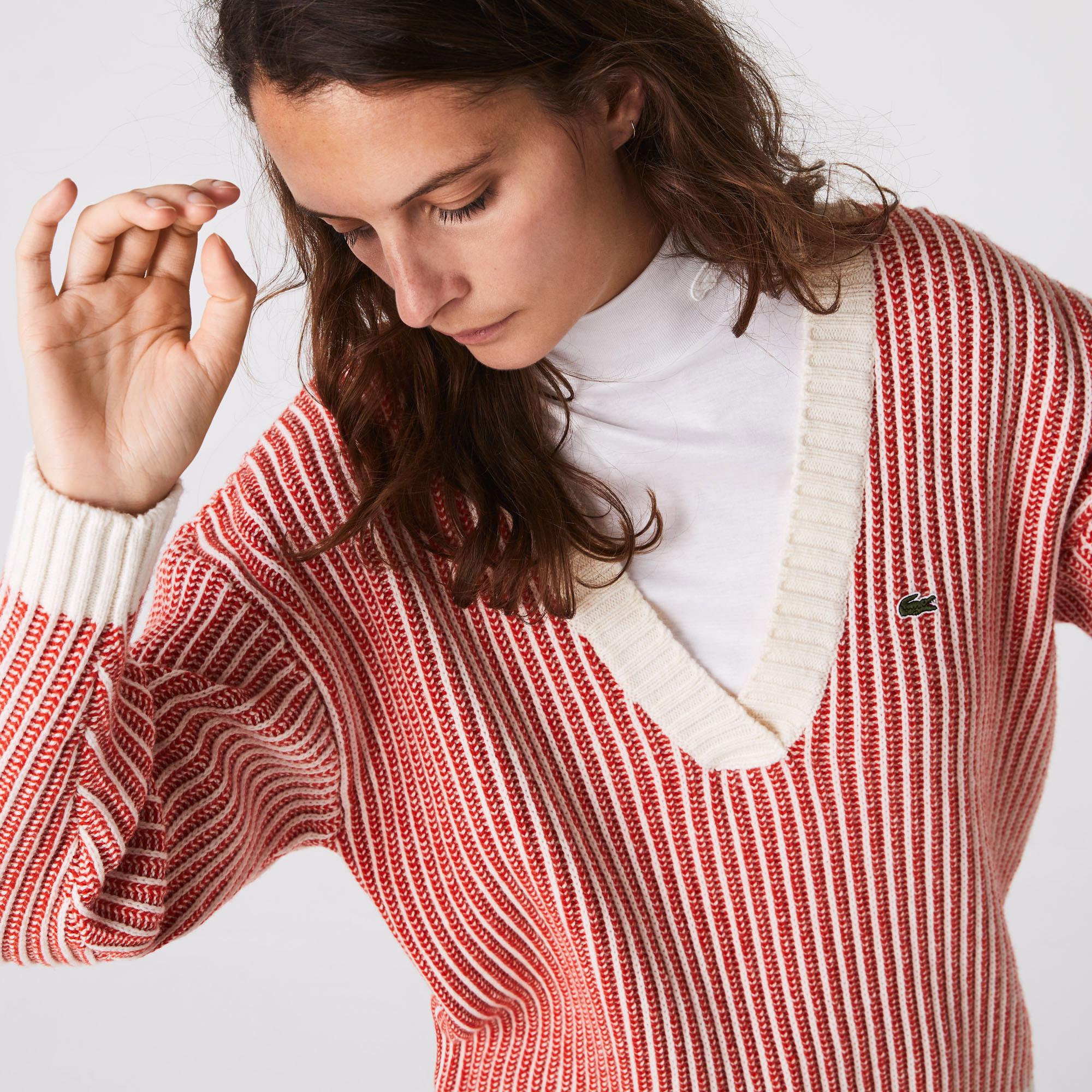Lacoste Damski Dwukolorowy Prążkowany Wełniany Sweter Z Niskim Dekoltem W Kształcie Litery V